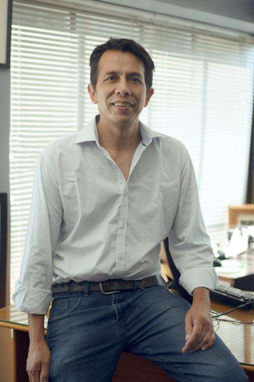 <p>Miguel Rojas<br /> Zegarra,</p>